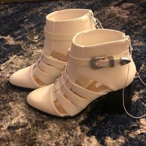NWT F21 White Booties